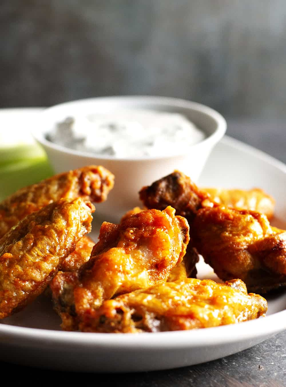 Crispy-Baked-Buffalo-Wings-served-with-blue-cheese-dip (1)